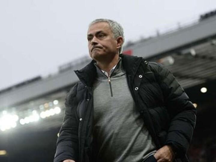 Neville: Man Utd must break sacking habit and stick with Mourinho