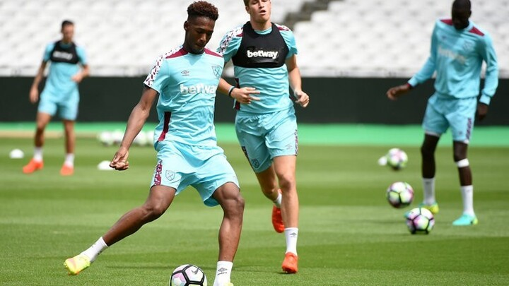 Reece Oxford close to signing new West Ham deal