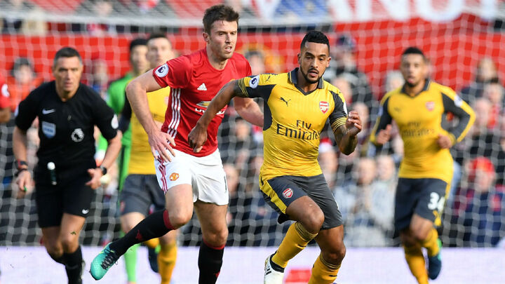 Walcott: Arsenal need more to win the title