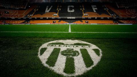 Valencia launch bizarre attack on 'fake fans'